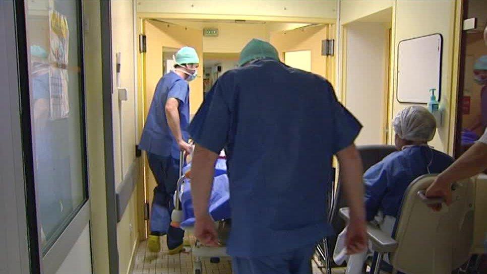 f2_chirurgie_de_l_obesite-00_03_56_18-2995725